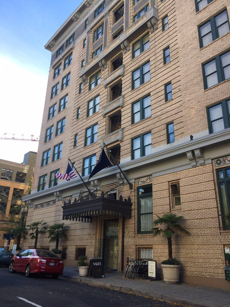 Hotel Deluxe Portland Oregon front entrance where Micki crossdressed