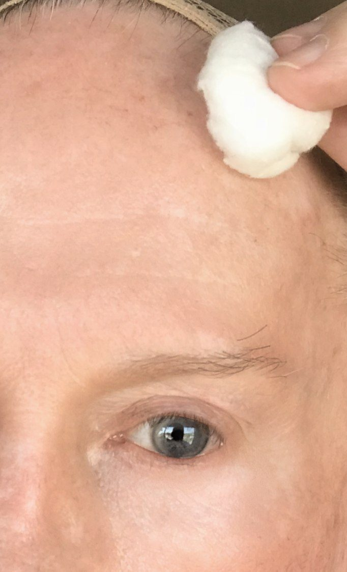 Crossdresser makeup skin cleaning